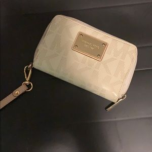 Used Michael kors wristlet with phone slot